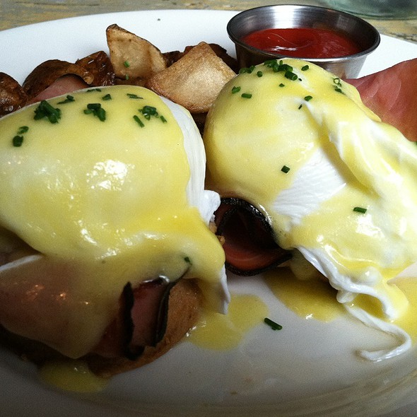 Eggs Benedict - Monument Lane, New York, NY