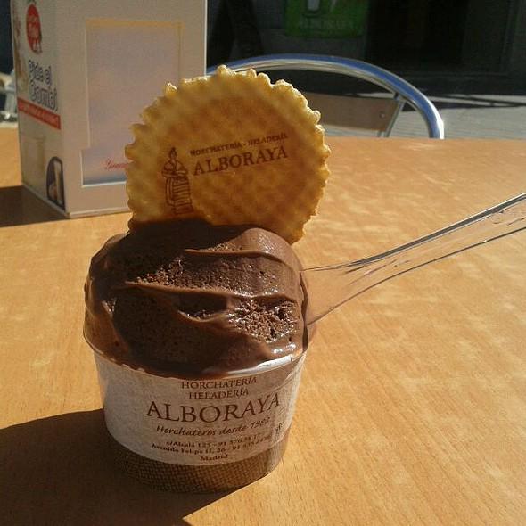 Chocolate ice cream @ Horchatería Heladería Alboraya