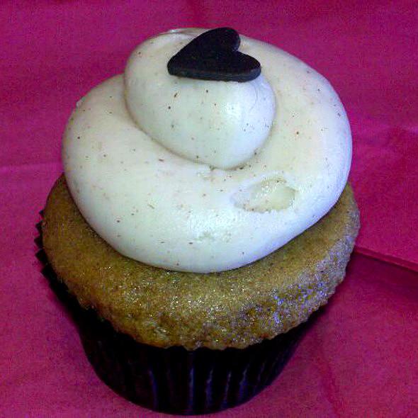 pumpkin spice cupcake @ Frostings
