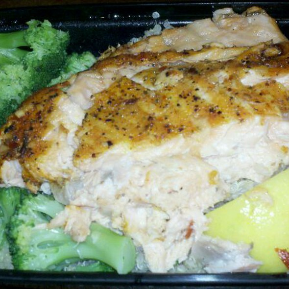 Salmon Baked Fish with Vegetable @ My Fit Foods