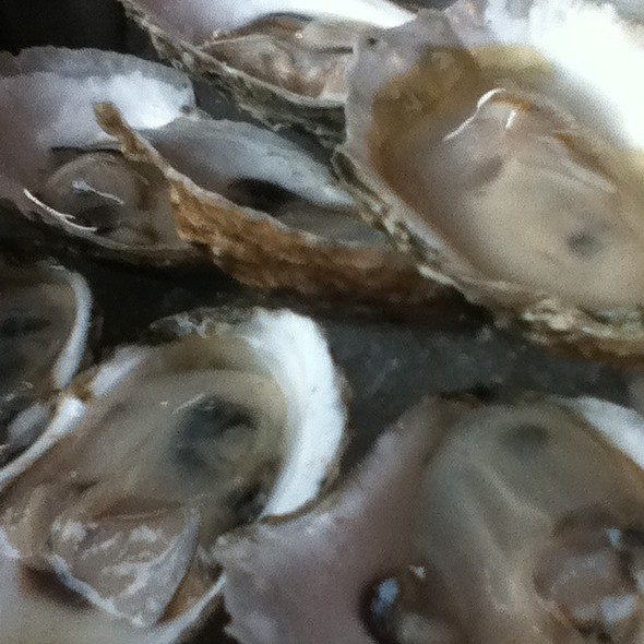 Oysters @ Maxie's Southern Comfort
