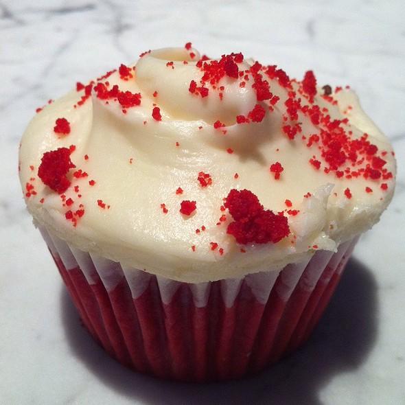 Red Velvet Cake @ SusieCakes