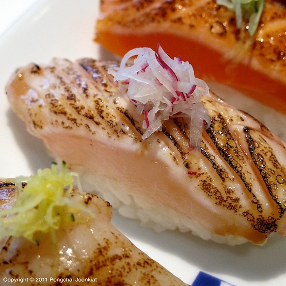 Aburi Yellowtail Nigiri