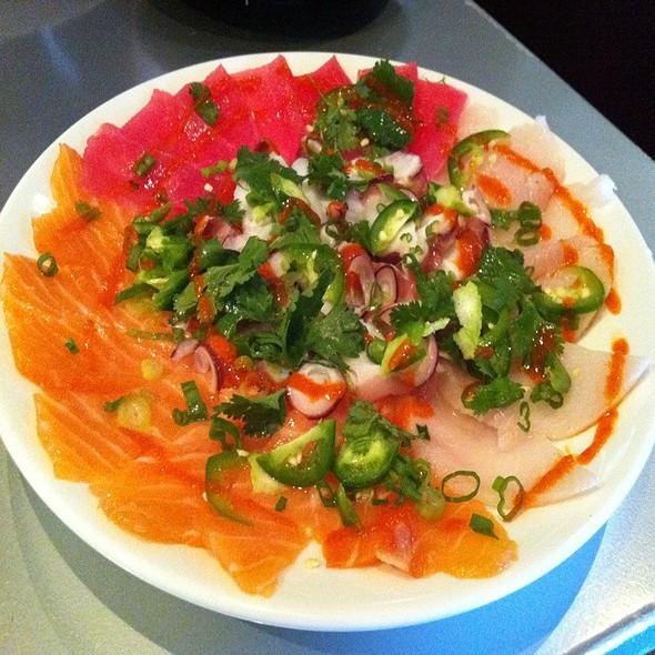 Sashimi Sampler Razor Style @ Sushi Zushi