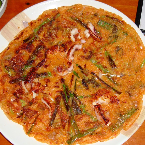 Seafood pancake - Haemul Pajeon - 해물 파전