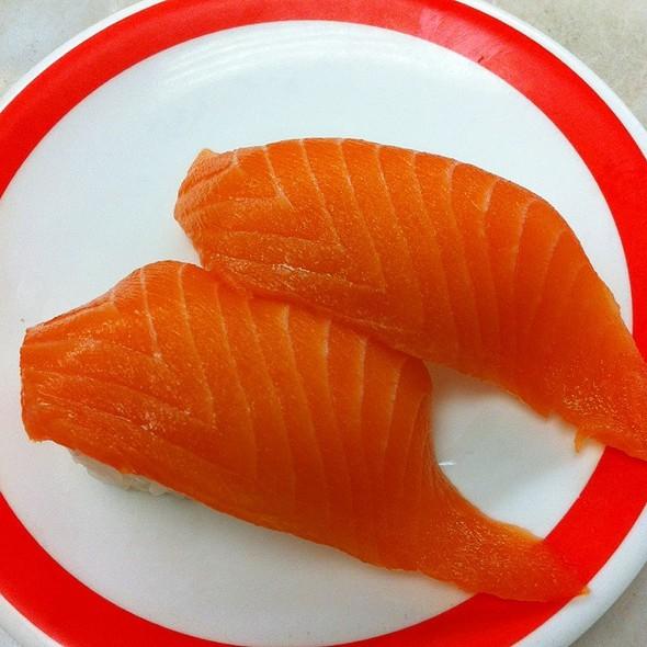 Salmon Roll @ Kuru Kuru Sushi
