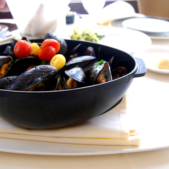 Steamed Mussels - Top of the Hub, Boston, MA