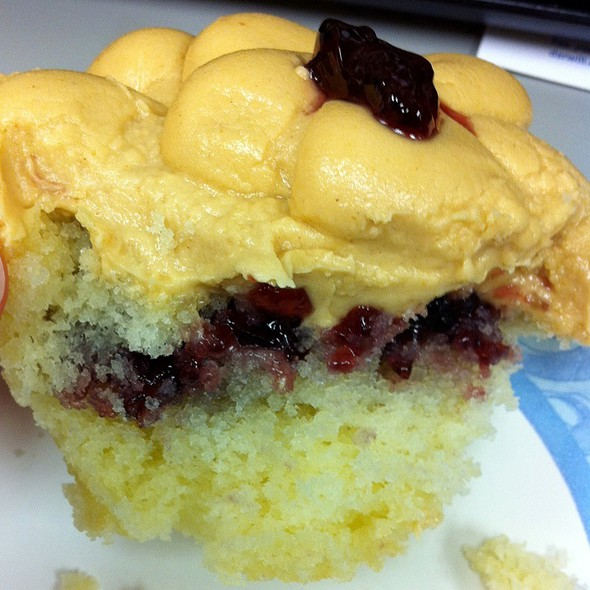 Peanut Butter & Jelly Cupcake @ Sugar Bliss Cake Boutique