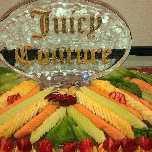 Ice Carveing @ Chef Maurice's Catering