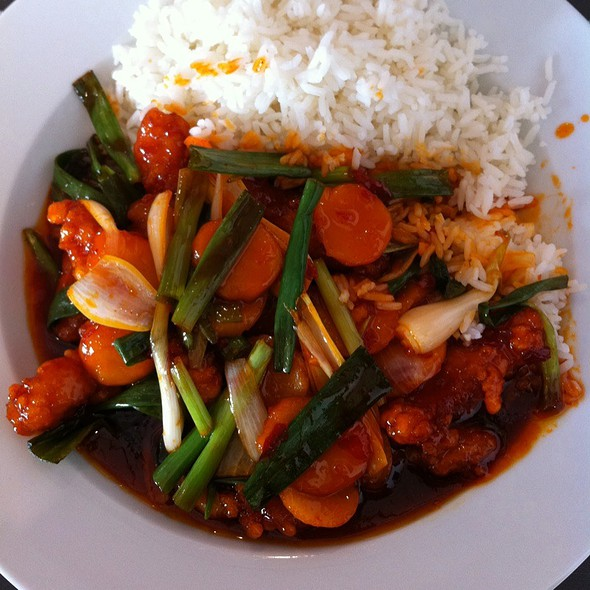 Kung Po Chicken With Steamed Rice @ 288 Bar & Wok