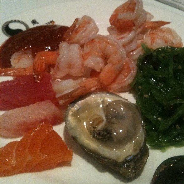 Sashimi  & Oyster Buffet Plate @ Eat Well