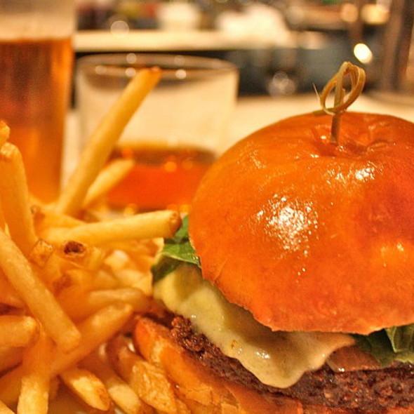 Burger-Bourbon-Beer combo @ Fifth Floor