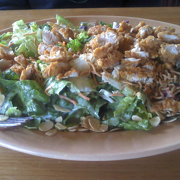Oriental Chicken Salad @ Applebee's