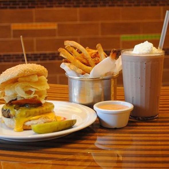 Thrillist's Favorite Burger @ Bobby's Burger Palace