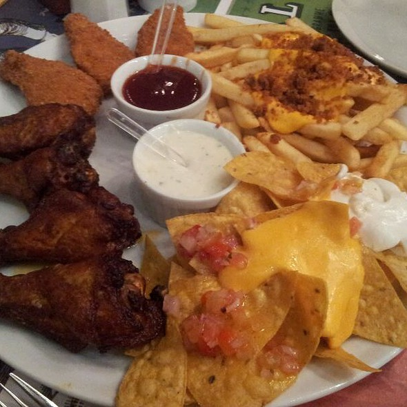 Appetizer Sampler @ Joe & Leo's - Shopping Don Pedro
