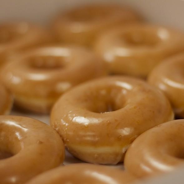Dozen Original Glazed Donuts @ Krispy Kreme Doughnuts