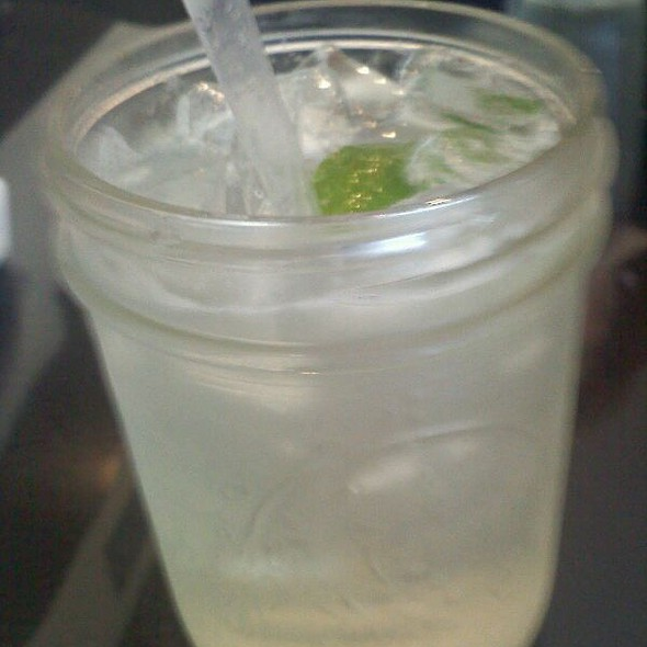 Fresh Squeezed Limeade @ Hogshead Cafe