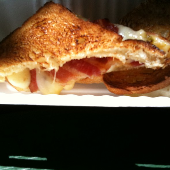 Mousetrap Grilled Cheese @ The American Grilled Cheese Kitchen