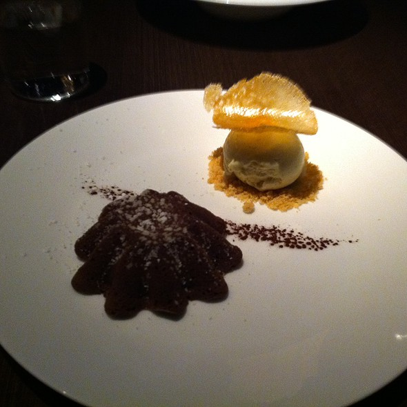 Warm Chocolate Cake @ Julian Serano