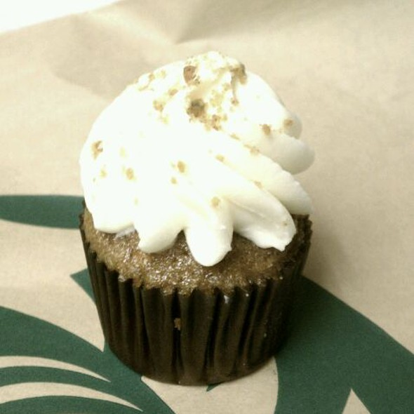 Mini Carrot Cake Cupcake @ Starbucks