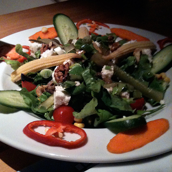 Asian Salad @ Ekvator Cafe