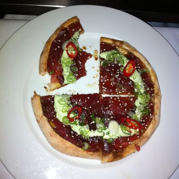 Sashimi Pizza @ Hergetova Cihelna