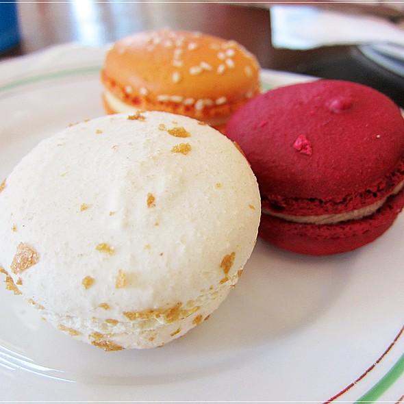 Macarons @ Choux Cafe