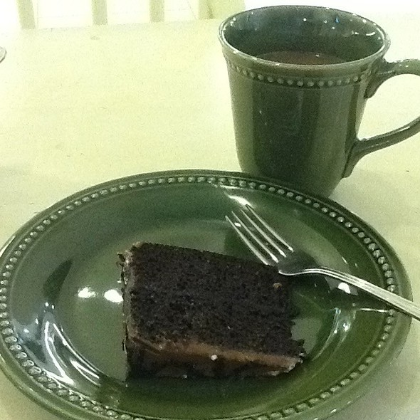 Unlimited Coffee And Cakes @ Cravings