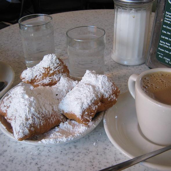 Cafe Au Lait And Beignets