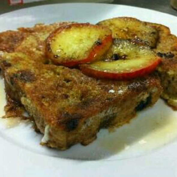 Cinnamon Raisin French Toast with Caramelised Apple @ Tapa Coffeehouse