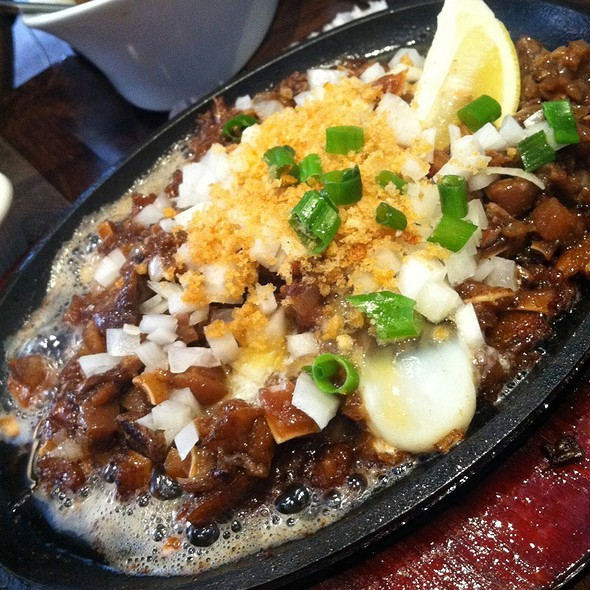 Sizzling Sisig @ Grill 21