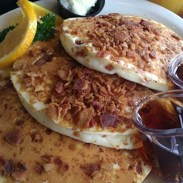 Bacon Pancake @ Flappy Jack's