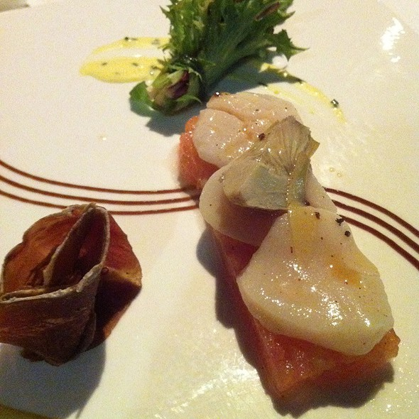 Champagne Vinegared Bay Scallop @ Millisime