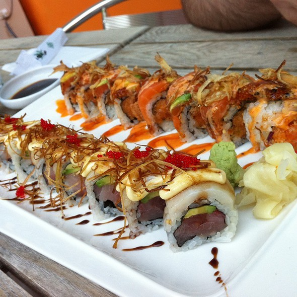 Fantastic And Naughty Girl Sushi Roll @ Shobu Sushi