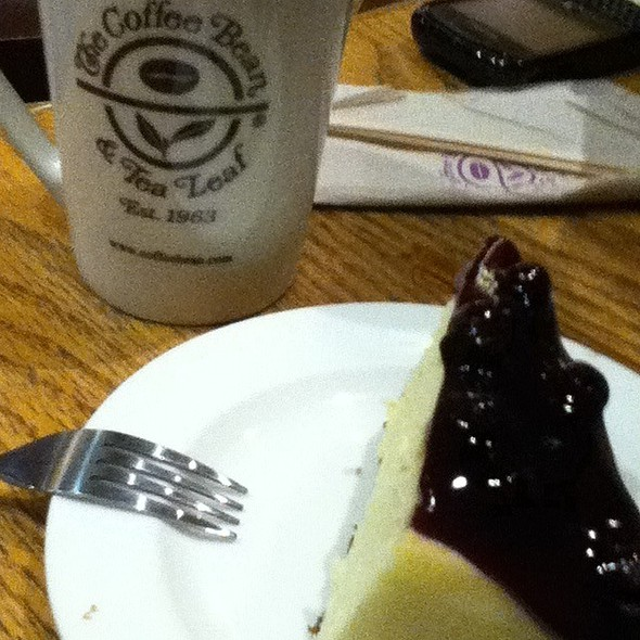 Blueberry Cheesecake @ The Coffee Bean & Tea Leaf