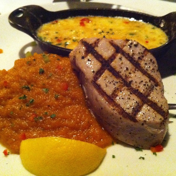 Pan Seared Big Eye Tuna - Splash Seafood Bar and Grill, Des Moines, IA