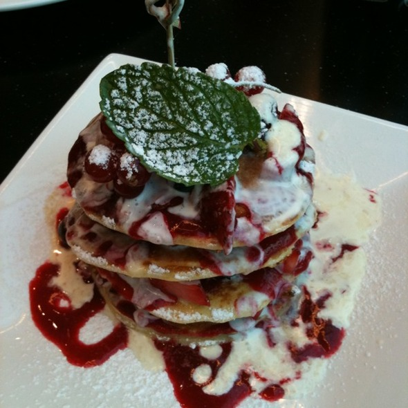 Berry Pancake @ Dean & DeLuca