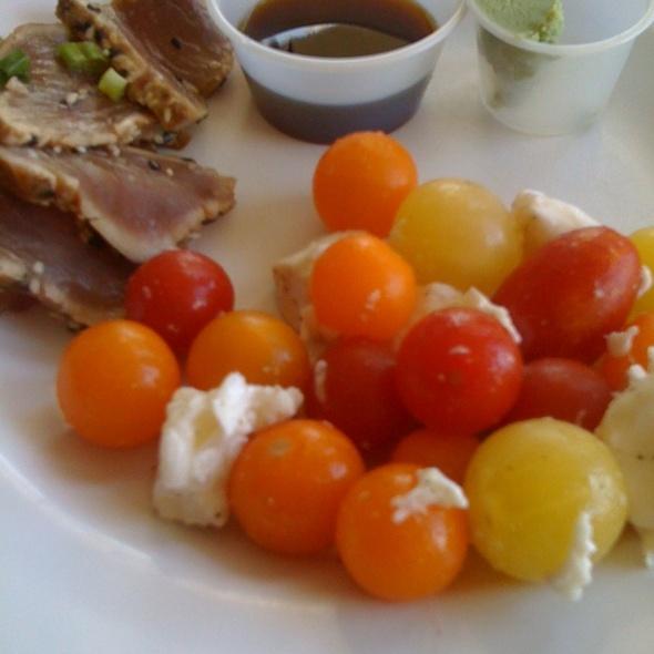 Heirloom Tomatoes, Mozzarella, And Ahi Tuna @ Selland's Market Cafe