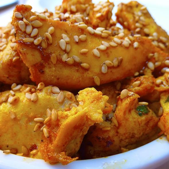 Honey Garlic Chicken @ La Boya