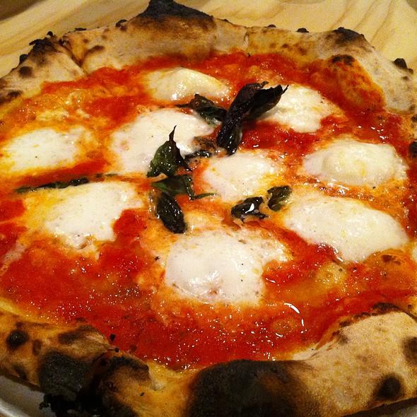 Margherita Pizza @ Prima Kailua