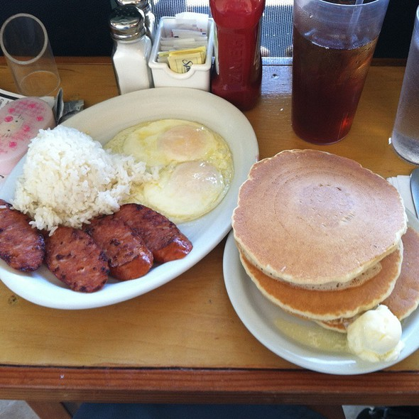 portuguese sausage, eggs, and rice @ Eggs 'n Things