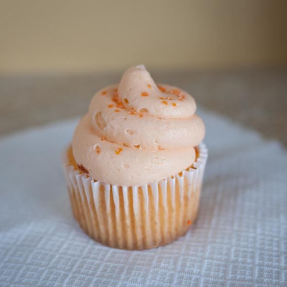 Orange Cream Pop Cupcake @ Side Street Bakery