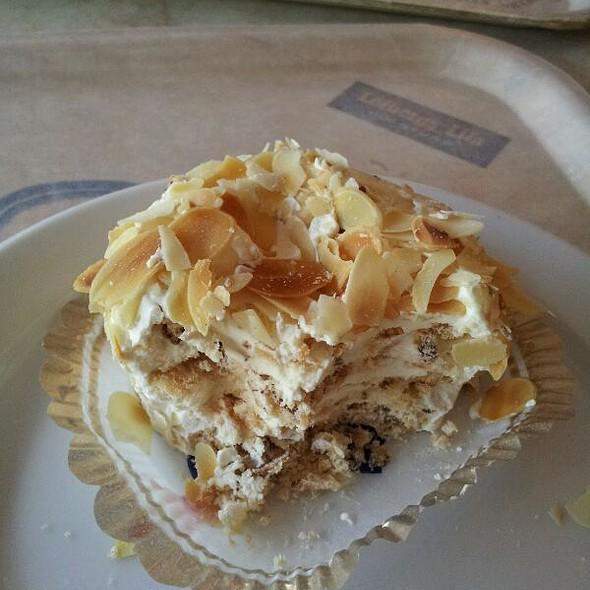 Buttercream Meringue @ Cafe Tre G