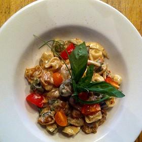 Capelleti , Sauce Aux Fines Herbes Et Champignons Sauvages
