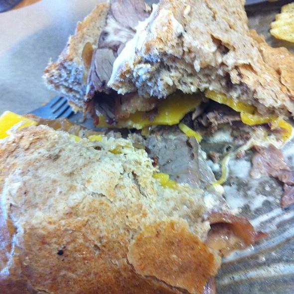 Knuckle Sandwich @ Noble Pig