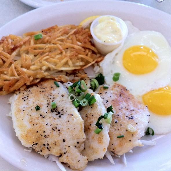 Mahi Mahi with Eggs & Hash Browns