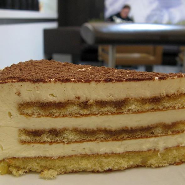 Tiramisu Cake @ McCafé Dammtor
