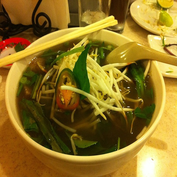 Pho With Meatball And Rare Beef