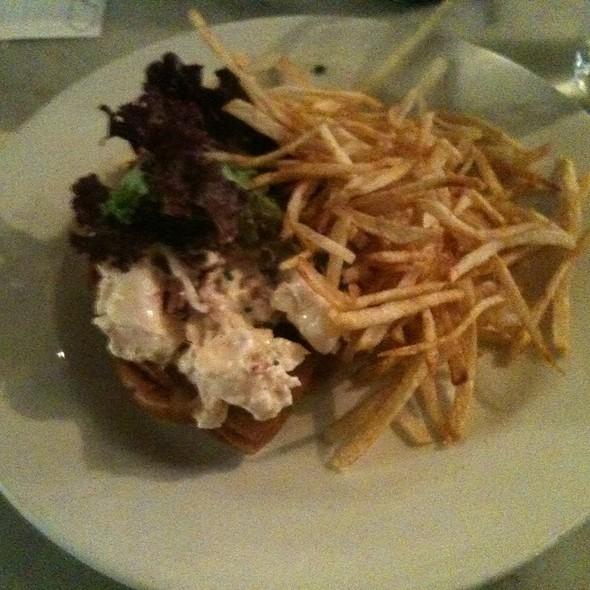Lobster Roll (Sandwich) @ Pearl Oyster Bar