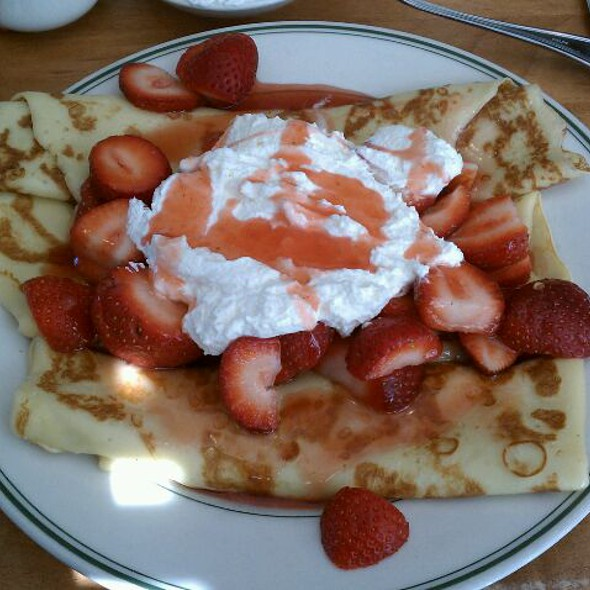 Crepes With Strawberries @ Original Pancake House